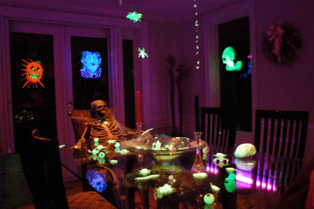 Outstanding Halloween Haunted House Dining Room 640 x 426 · 39 kB · jpeg